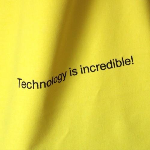 technology-02-e04205530cea947171677dda2084089f